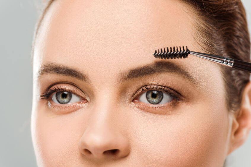 brush eyebrows | City Beauty