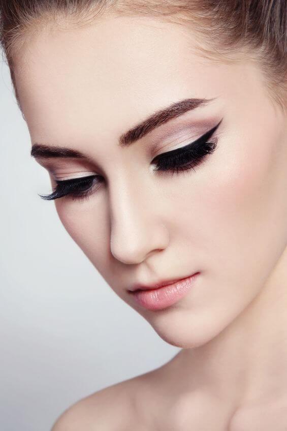 cat eye makeup | City Beauty